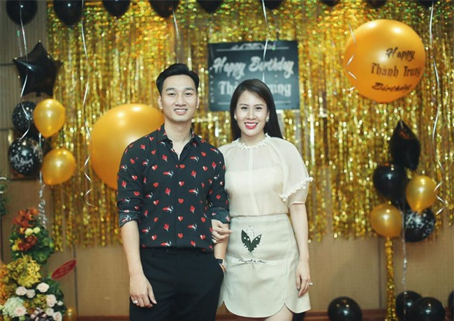 Bà xã MC Thành Trung được chồng kỷ niệm ngày yêu trên Facebook, hé lộ thời điểm quen nhau vô cùng đặc biệt - Ảnh 1.