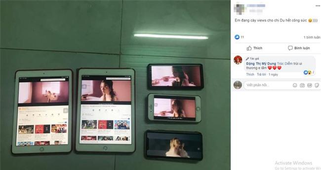"""Hiếm có ai được hậu thuẫn """"êm ái"""" như Midu: Bà ngoại vừa đi ăn vẫn bật điện thoại cày view MV nói về tình cũ cho cháu gái - Ảnh 2."""