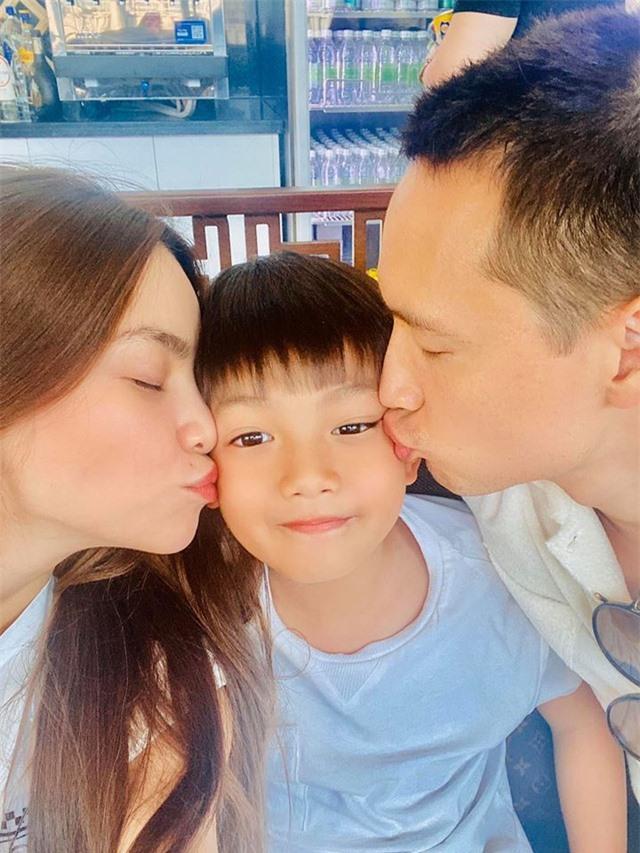 Ngày đầu tiên trong năm mới 2020, sao Việt làm gì? - 6
