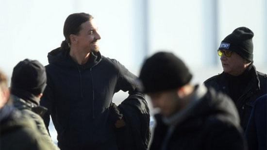 Ibra vừa nhận số áo lạ lẫm khi vừa ký hợp đồng mới với Milan