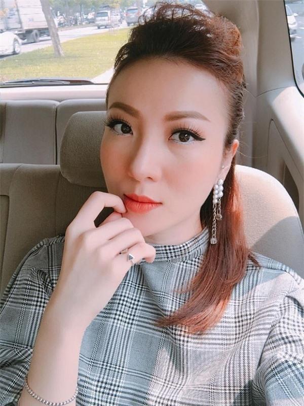 Sao Việt phẫu thuật khiến fan ko nhận ra vì mặt đơ cứng, thiếu tự nhiên