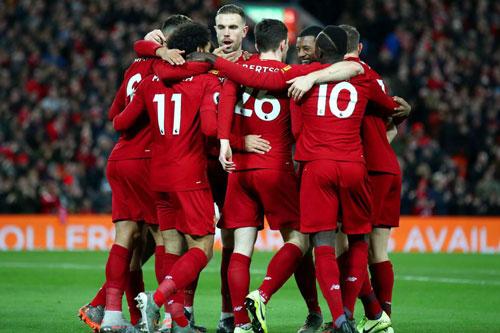 Liverpool tiếp tục nối dài chuỗi thắng và giữ khoảng cách với các đối thủ ở Ngoại hạng Anh.