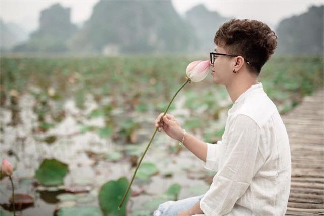 Ngỡ ngàng mùa sen giữa trời đông, lau đẹp như tranh ở Ninh Bình - Ảnh 2.