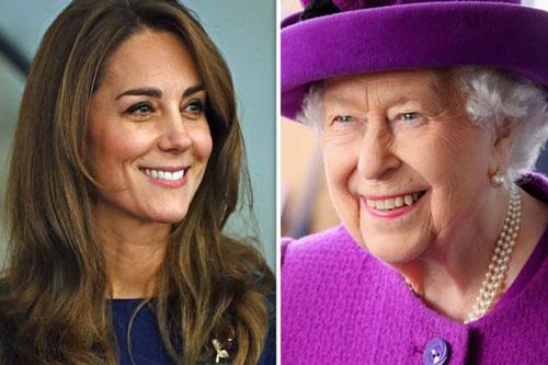 Nữ hoàng Anh được cho là ngưỡng mộ cháu dâu Kate.