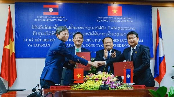 Bộ trưởng Trần Tuấn Anh tiếp và làm việc với Bộ trưởng Khammany INTHIRATH tại Trụ sở Bộ Công Thương.