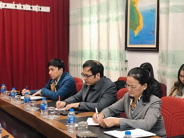 Mr. To Hoai Nam and leaders of VINASME