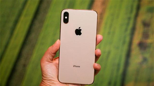 Giá iPhone XS Max cũ còn dưới 15 triệu đồng - Ảnh 1.
