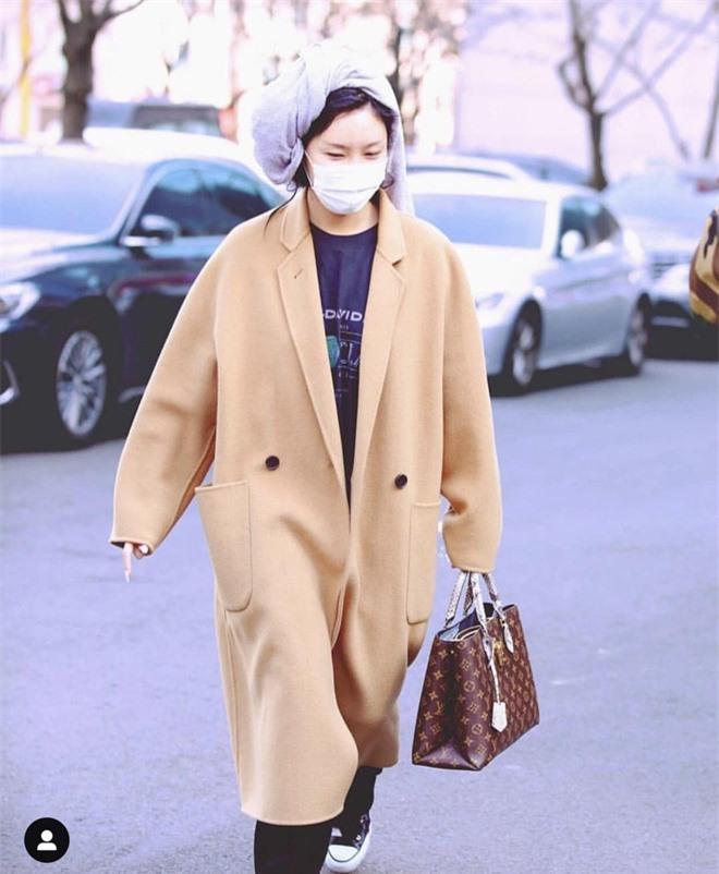 Không phải Chungha hay Jennie (BLACKPINK), Hwasa (MAMAMOO) vừa tài năng vừa chiếm trọn spotlight mọi lúc mọi nơi mới là nữ idol nổi bật nhất Kpop 2019 - Ảnh 11.