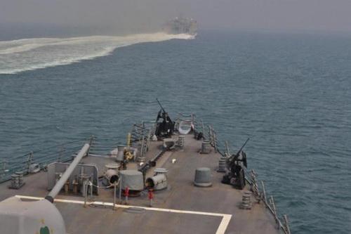Các tàu chiến của Hải quân Mỹ đã di tản ra xa eo biển Hormuz. Ảnh: Avia.pro.