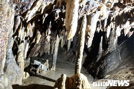 Bí ẩn vẻ đẹp kỳ ảo của hang động đẹp nhất miền Bắc - Ảnh 26.