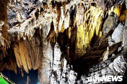 Bí ẩn vẻ đẹp kỳ ảo của hang động đẹp số 1 miền Bắc - Ảnh 27.