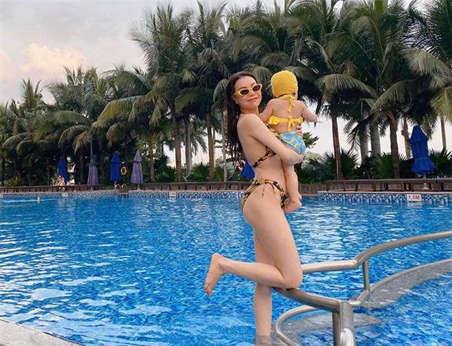 Trà Ngọc Hằng tự tin khoe hình bikini sau khi làm mẹ đơn thân - Ảnh 4.