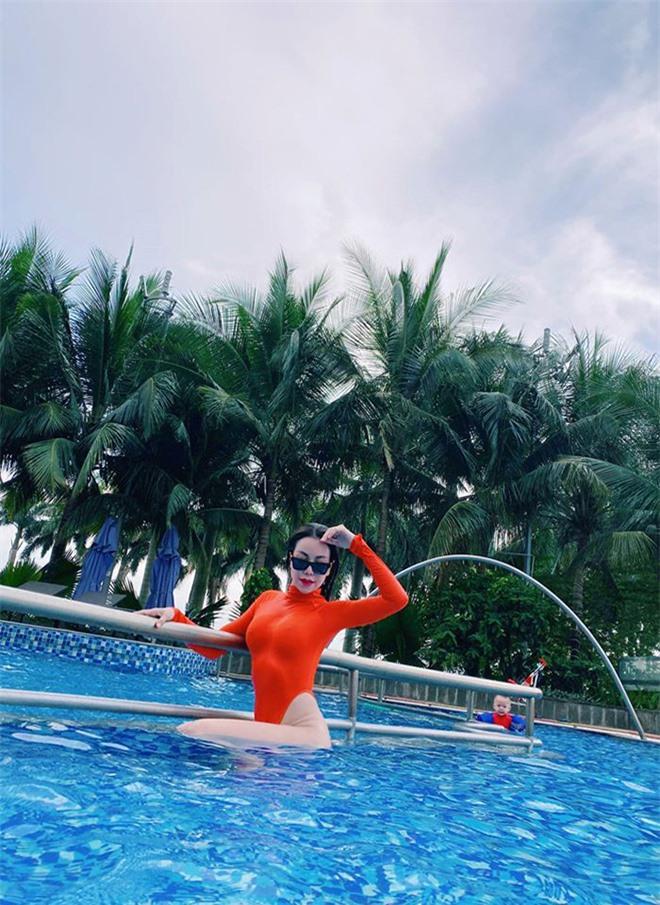 Trà Ngọc Hằng tự tin khoe hình bikini sau khi làm mẹ đơn thân - Ảnh 10.