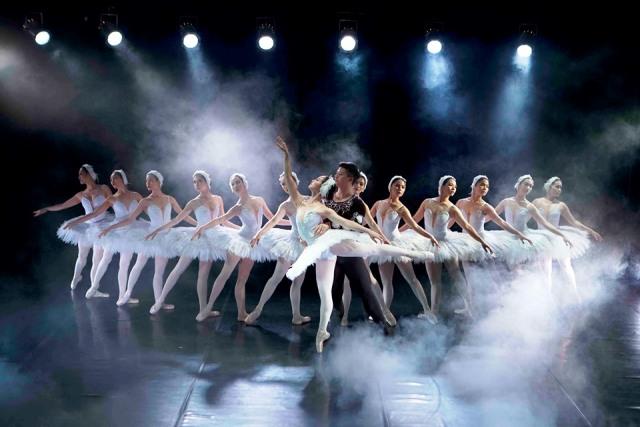 vở Ballet Hồ Thiên Nga