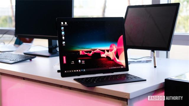 [CEO 2020] Lenovo ra mắt laptop màn hình gập ThinkPad X1 Fold, giá gần 60 triệu đồng - Ảnh 1.