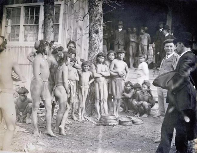 """""""Sở thú con người"""": Địa ngục trần gian của thổ dân nguyên thủy hay là nơi giáo dục quần chúng của những người da trắng văn minh bậc nhất - Ảnh 2."""