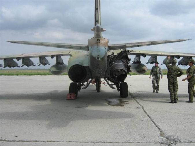 Su-25 thanh cong ruc ro o Trung Dong, xung dang thay the cho Su-22 Viet Nam-Hinh-10