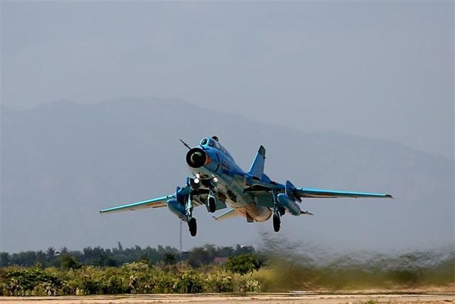 Su-25 thanh cong ruc ro o Trung Dong, xung dang thay the cho Su-22 Viet Nam-Hinh-2