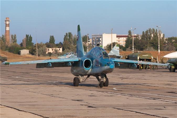 Su-25 thanh cong ruc ro o Trung Dong, xung dang thay the cho Su-22 Viet Nam-Hinh-5