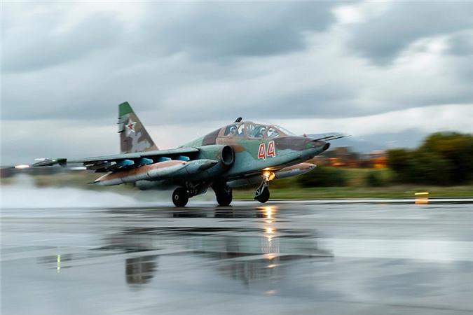Su-25 thanh cong ruc ro o Trung Dong, xung dang thay the cho Su-22 Viet Nam-Hinh-6