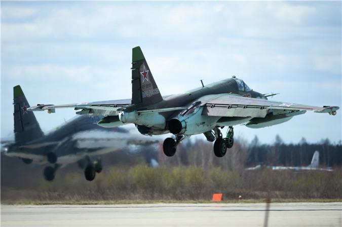 Su-25 thanh cong ruc ro o Trung Dong, xung dang thay the cho Su-22 Viet Nam-Hinh-8