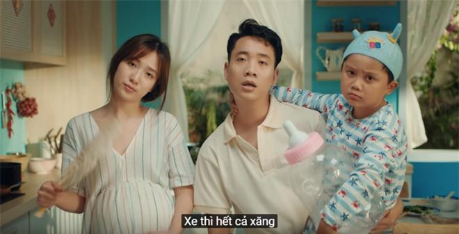 Xem MV mới của Hoàng Thuỳ Linh x JustaTee x Đen Vâu mà tràn đầy hốt hoảng: Tết về, đầu tiên là tiền đâu? - Ảnh 3.