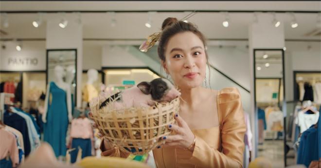 Xem MV mới của Hoàng Thuỳ Linh x JustaTee x Đen Vâu mà tràn đầy hốt hoảng: Tết về, đầu tiên là tiền đâu? - Ảnh 6.