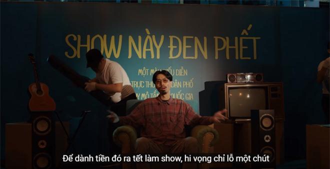 Xem MV mới của Hoàng Thuỳ Linh x JustaTee x Đen Vâu mà tràn đầy hốt hoảng: Tết về, đầu tiên là tiền đâu? - Ảnh 7.