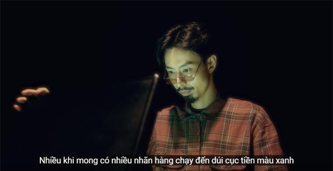 Xem MV mới của Hoàng Thuỳ Linh x JustaTee x Đen Vâu mà tràn đầy hốt hoảng: Tết về, đầu tiên là tiền đâu? - Ảnh 8.