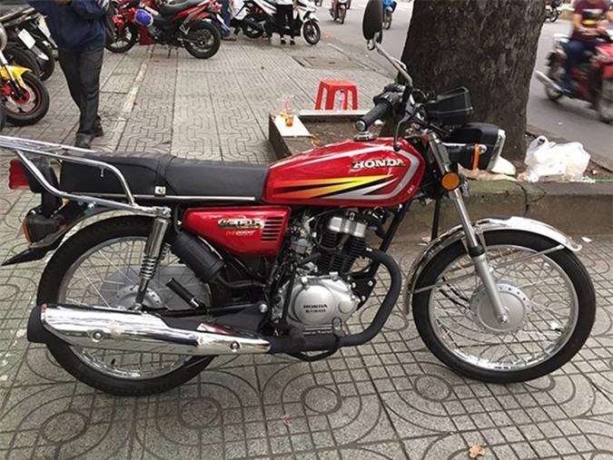 Honda CG125 có thiết kế khá giống Honda Win 100.