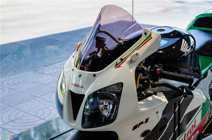 Chi tiet moto dua chay pho Honda VTR 1000 RC51 SP2 doc nhat VN hinh anh 10 Honda_VTR1000_SP2_Zing_26_.jpg