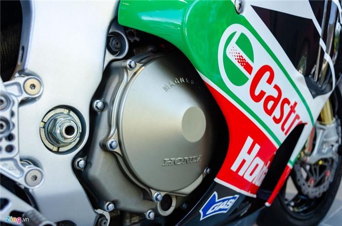 Chi tiet moto dua chay pho Honda VTR 1000 RC51 SP2 doc nhat VN hinh anh 8 Honda_VTR1000_SP2_Zing_23_.jpg