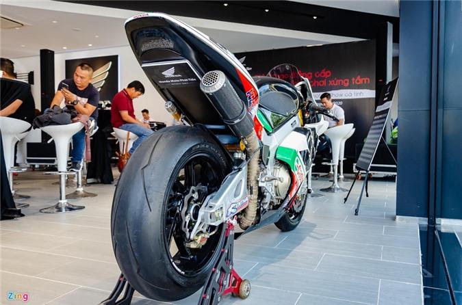 Chi tiet moto dua chay pho Honda VTR 1000 RC51 SP2 doc nhat VN hinh anh 9 Honda_VTR1000_SP2_Zing_7_.jpg