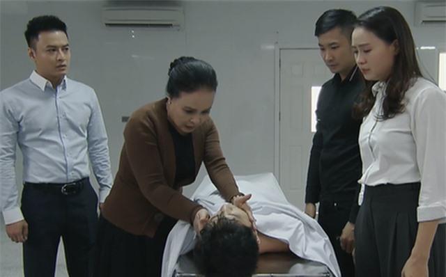 """Hồng Đăng, Hồng Diễm, Ngọc Quỳnh nói gì về kết phim """"Hoa hồng trên ngực trái""""? - 1"""