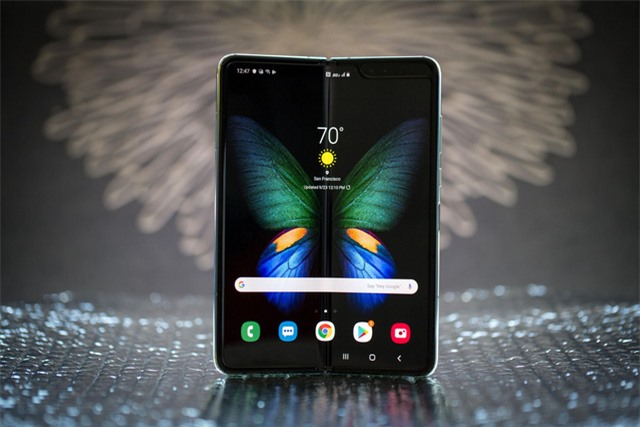 Samsung bán được gần nửa triệu Galaxy Fold - Ảnh 1.