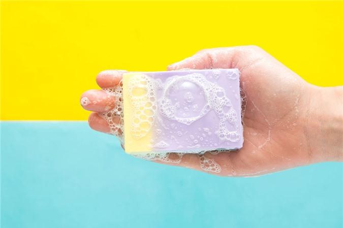 Thói quen sử dụng xà phòng thơm sẽ gây hại đến làn da của chị em phụ nữ