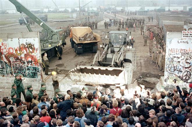 Điều gì cũng sẽ xảy ra nếu Bức tường Berlin chưa sụp đổ? - Ảnh 3.