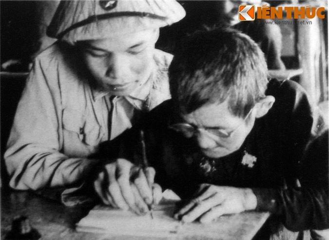 Kho tin ngay dau moi thanh lap, Quan doi Viet Nam chi co... 34 khau sung-Hinh-4