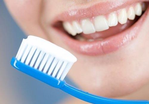 Những mẹo nhỏ dưới đây hiệu quả trong việc làm trắng răng. Ảnh minh họa.