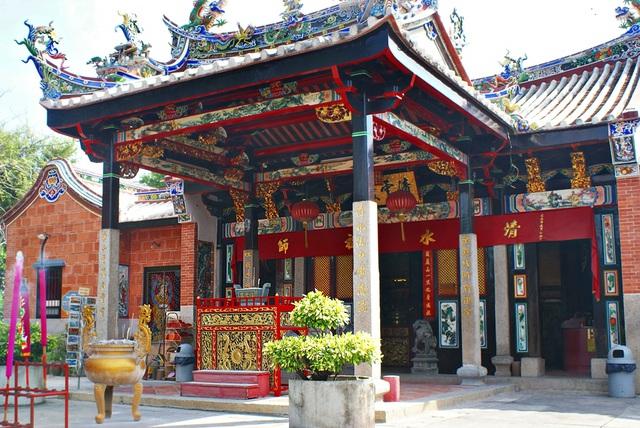 Ngôi đền rắn linh thiêng ở Penang, Malaysia