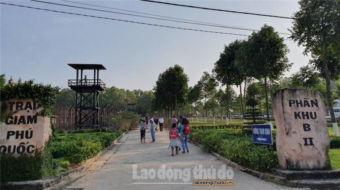 Từ năm 1967 - 1973, chế độ Mỹ - Ngụy dựng lên một trại giam tại thị trấn An Thới, huyện đảo Phú Quốc với diện tích rộng hàng trăm mét vuông với 12 khu giam. Đây là nơi, đã giam cầm hàng nghìn tù nhân cách mạng với những hình thức tra tấn dã man, đầy man rợ.