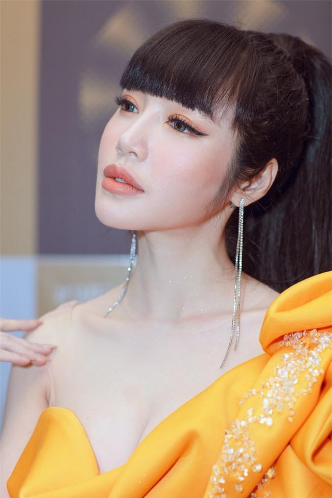 Elly Trần xuất hiện lộng lẫy như đóa hoa, trấn an fan về việc hốc hác, sụt cân vì chia tay chồng Tây  - Ảnh 7.