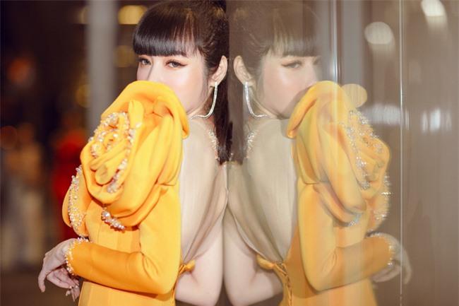 Elly Trần xuất hiện lộng lẫy như đóa hoa, trấn an fan về việc hốc hác, sụt cân vì chia tay chồng Tây  - Ảnh 8.
