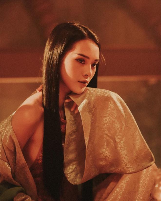 """Quỳnh Lương: Nữ chính MV hiếm hoi khiến người ta phải """"nhớ mặt, đặt tên"""" chứ không chỉ """"làm nền"""" cho ca sĩ - Ảnh 2."""