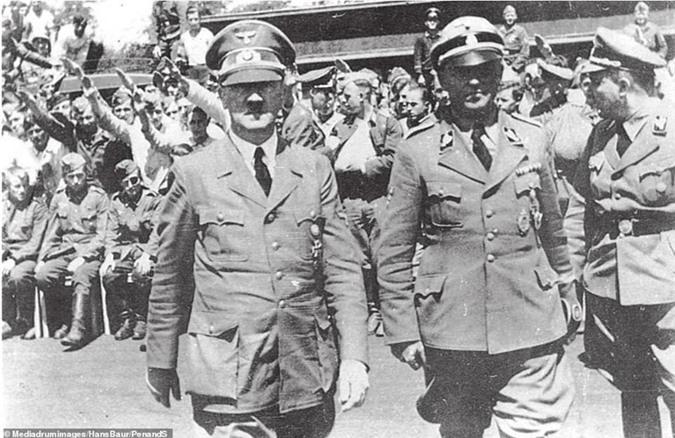 """Vi sao Hitler """"dien cuong"""" muon bat si quan mat ma cua Lien Xo?-Hinh-3"""