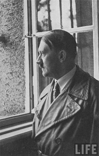 """Vi sao Hitler """"dien cuong"""" muon bat si quan mat ma cua Lien Xo?-Hinh-4"""