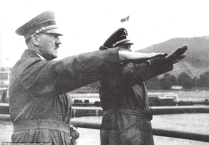 """Vi sao Hitler """"dien cuong"""" muon bat si quan mat ma cua Lien Xo?-Hinh-9"""