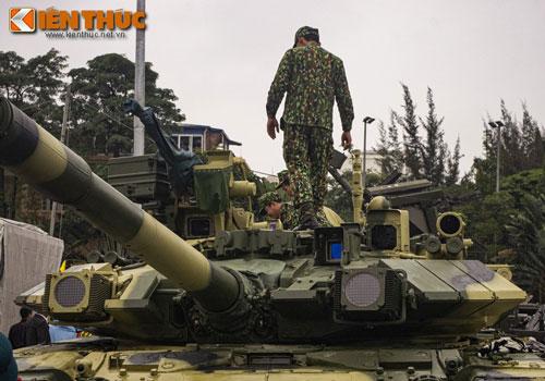 Hiện tại, trong biên chế quân đội Việt Nam đang có 64 xe tăng chủ lực T-90S/SK. Mặc dù đây là lực lượng có quân số không quá nhiều, tuy nhiên cũng đủ để khiến nhiều quốc gia trong khu vực phải