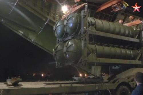 Nga - Iraq đang xúc tiến hợp đồng mua sắm hệ thống phòng không S-400 Triumf. Ảnh: :TASS.