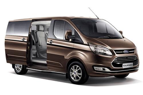 2. Ford Tourneo (doanh số: 245 chiếc